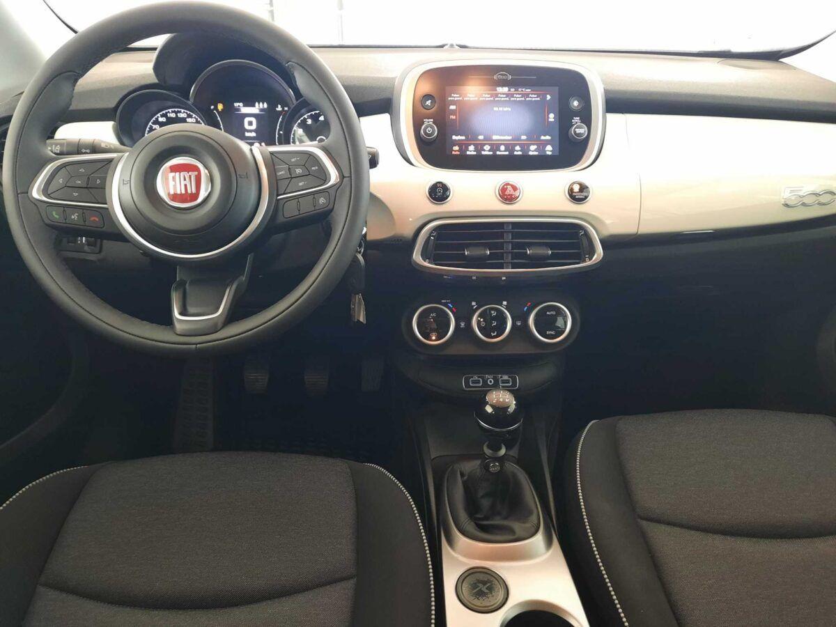 Fiat 500x urban 110 cv gasolina de km 0 salpicadero