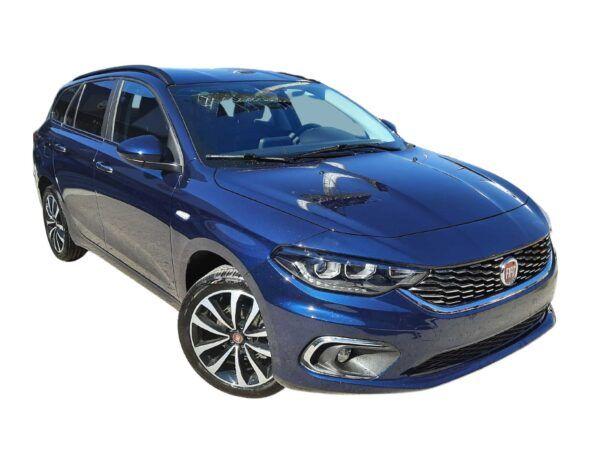 Fiat Tipo SW 1.4 120 cv en color azul de km0