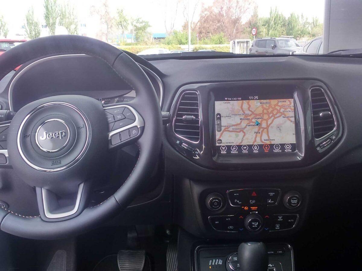 Jeep Compass híbrido enchufable versión limited con motor 1.3 de 190cv at ewad de km0