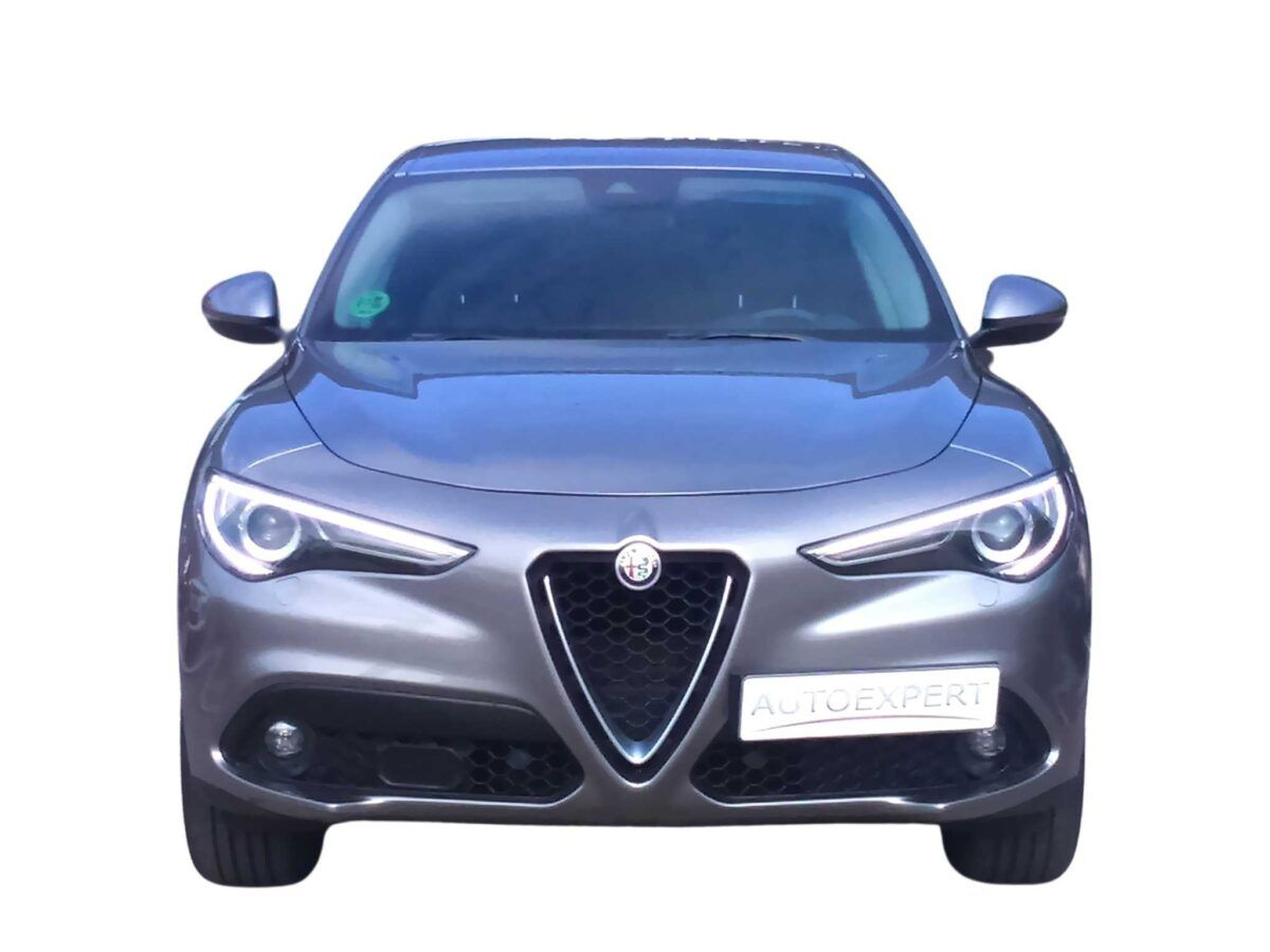 Alfa Romeo Stelvio MY19 2.2 Diesel 210 cv Executive Q4 en gris de ocasión