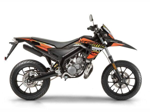 Moto Derbi Senda x-treme 50 sm en naranja y negro, nueva