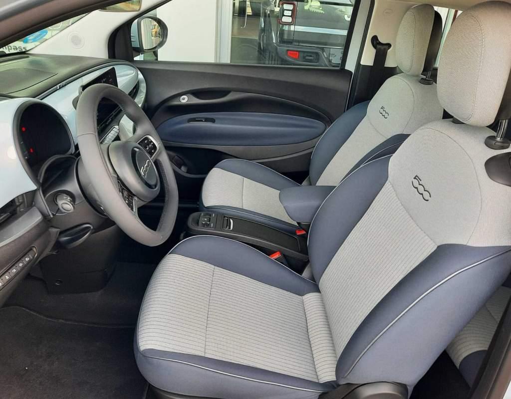 FIAT 500 Icon Hb 320km 85kW 118CV 3p. en azul - Eléctrico