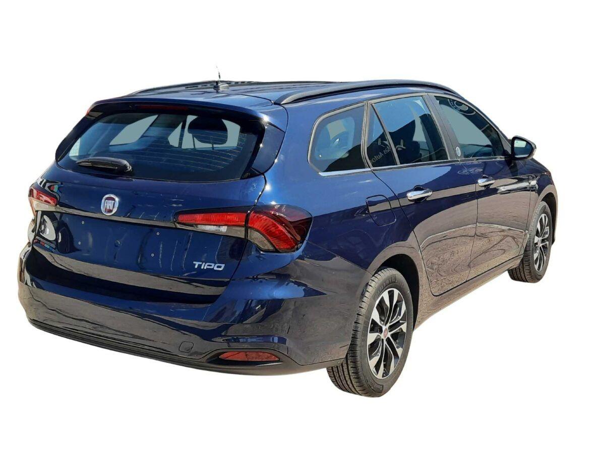 Fiat Tipo SW mirror 1.4 120cv en color azul de km0