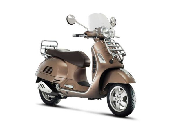 Moto Vespa GTS 300 E4 Touring color marrón nueva