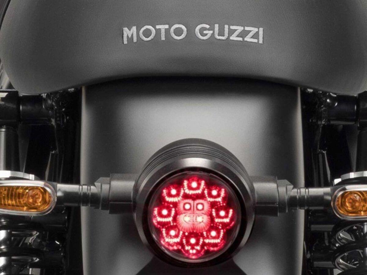 MOTO GUZZI V7 III STONE NIGHT PACK – NEGRO