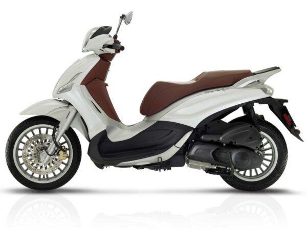 Piaggio Beverly 300 Euro 4 en blanco nueva