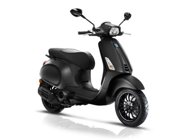 Moto Vespa Sprint 125 E4 color negro nueva