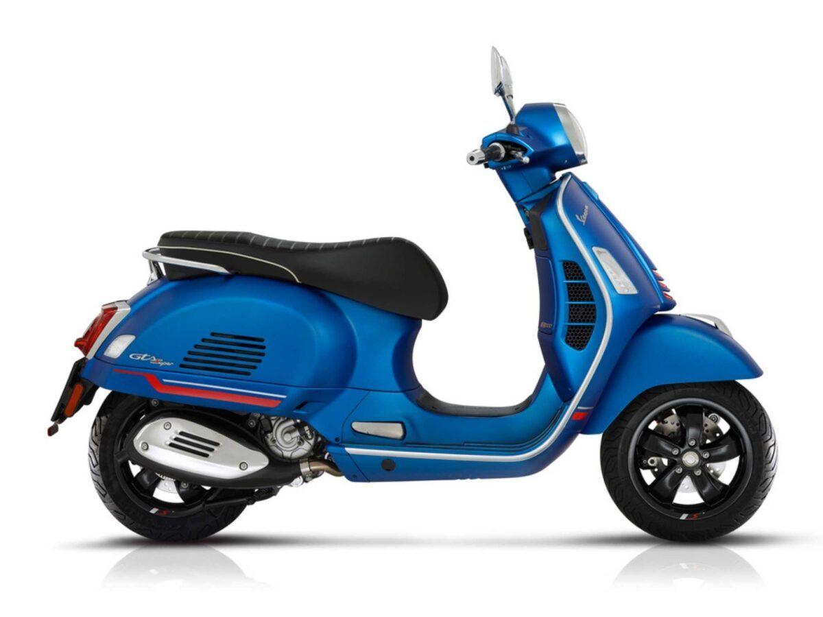 Vespa GTS 300 supersport en color azul