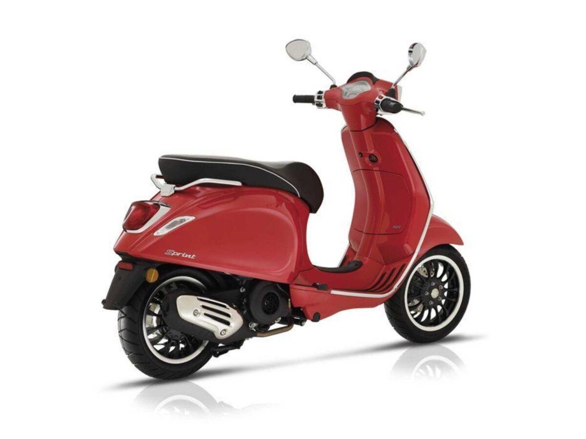 Vespa Sprint 125 e4 en color rojo nueva