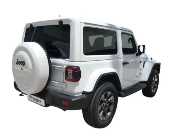 Jeep Wrangler Sahara 2.0 270 cv 8ATX de km0 en color blanco con pocos kilómetros