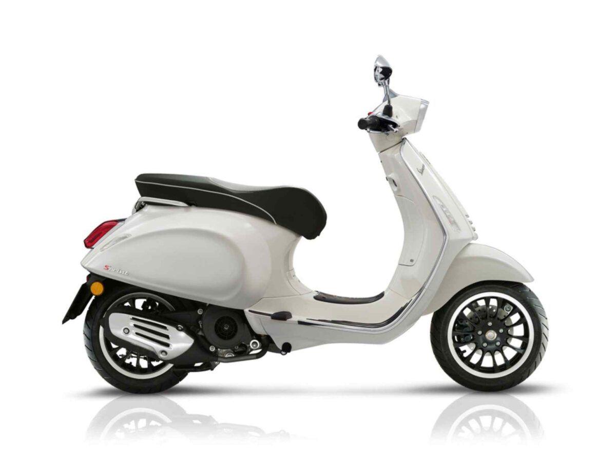 Moto Vespa Sprint 125 E4 blanca nueva