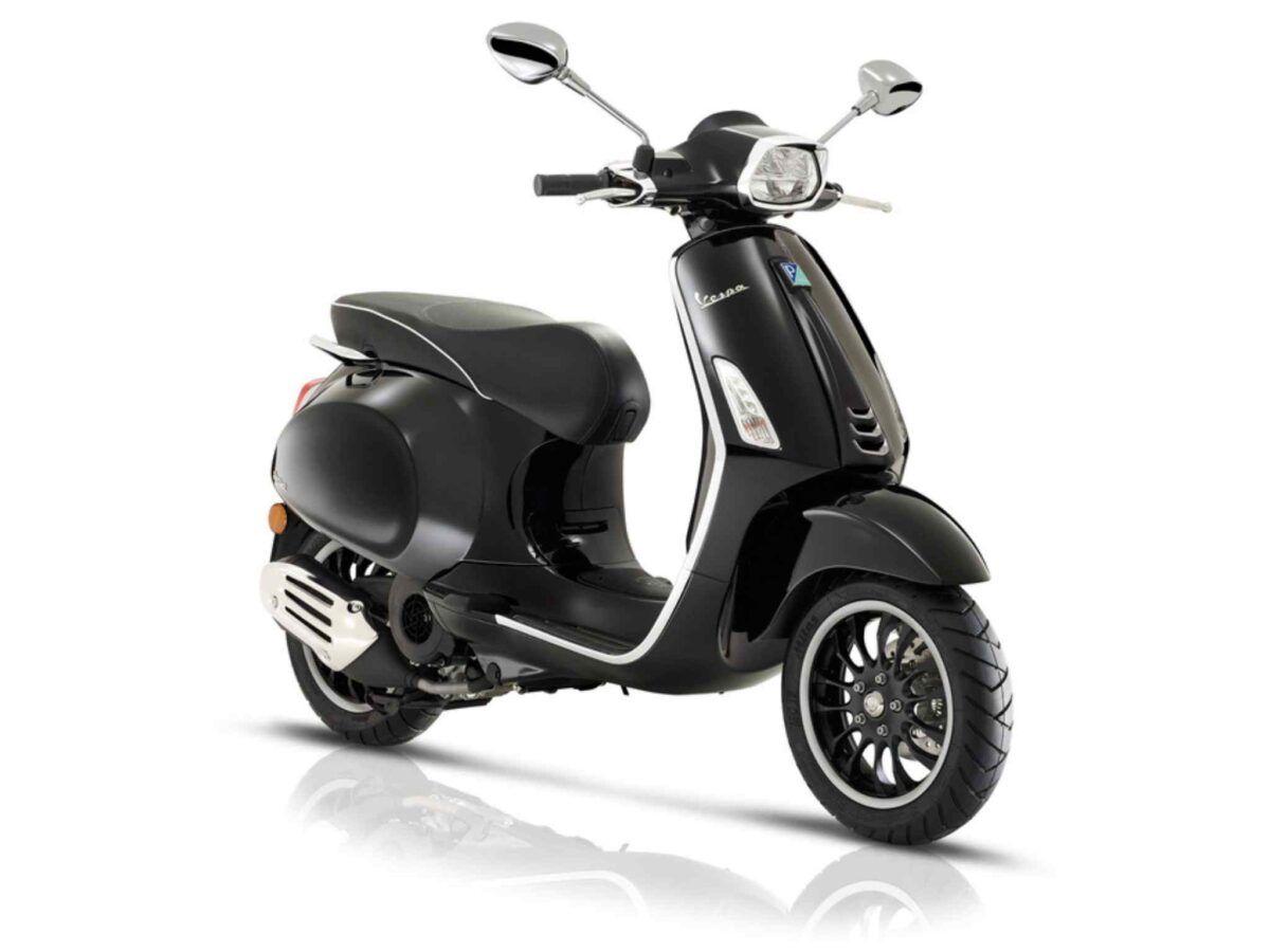 Vespa Sprint 125 e4 en color negro nueva