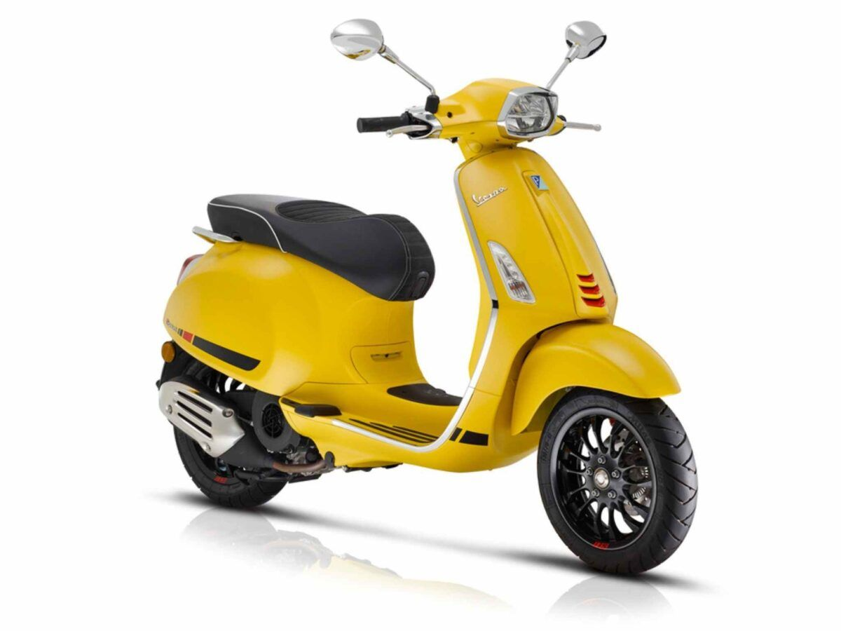 Moto Vespa Sprint 125 S E4 color amarillo nueva concesionario vespa madrid