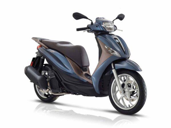 Piaggio Medley 125 euro 5 de 2021 en color azul cobalto