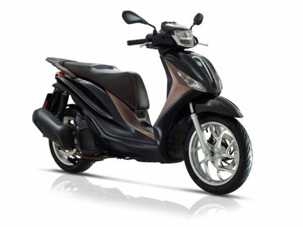 Piaggio Medley 125 euro 5 de 2021 en color negro
