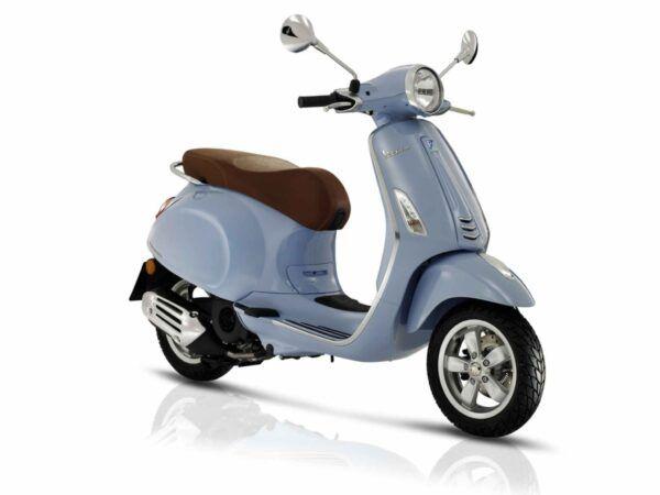 Vespa Primavera 125 euro 4 en color azul claro