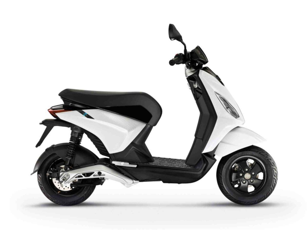 Piaggio One Active eléctrica blanca nueva